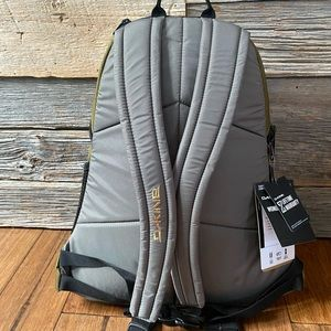 Dakine Bags - Dakine Wonder 15L Slim Backpack 🎒 - NWT